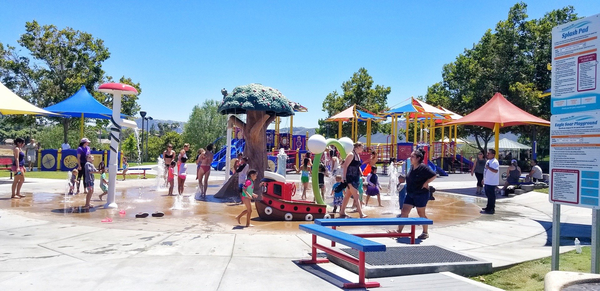 picture of the splash pad in temecula, ca