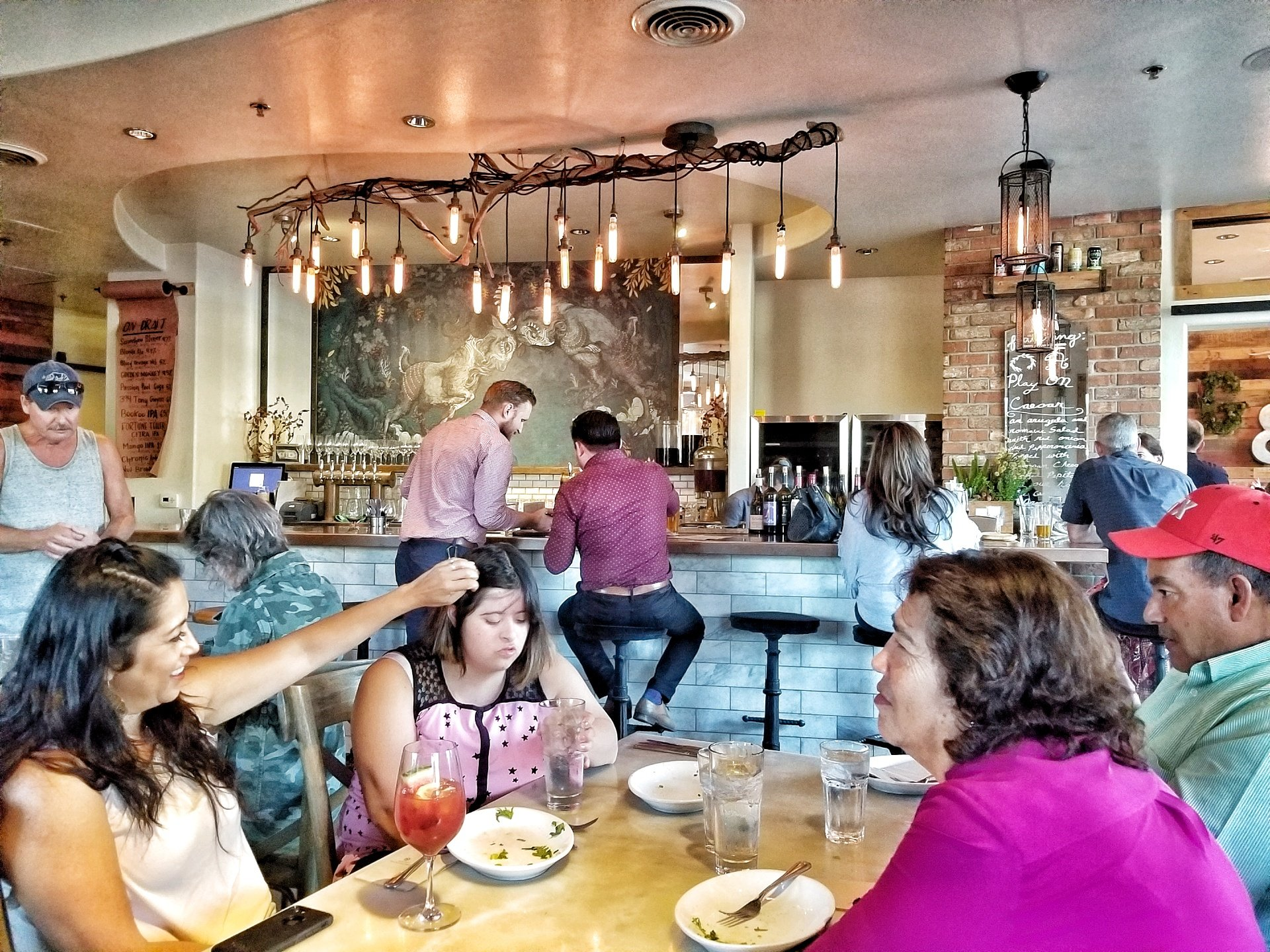 picture of people dining at The Goat & Vine in Old Town Temecula, CA